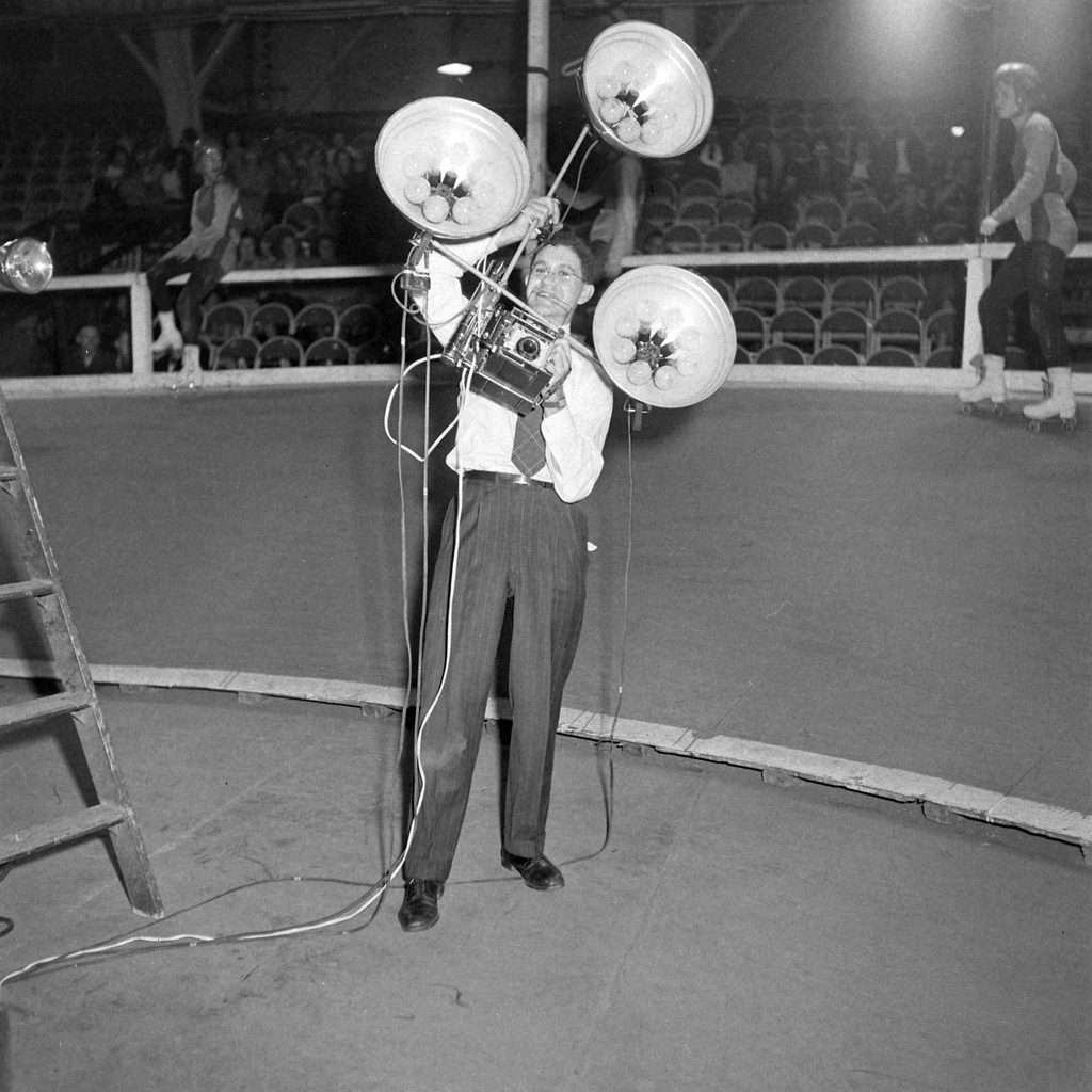 George Skadding with an impressive lighting-and-camera rig, 1948. (Photo by George Skadding/The LIFE Picture Collection © Meredith Corporation)
