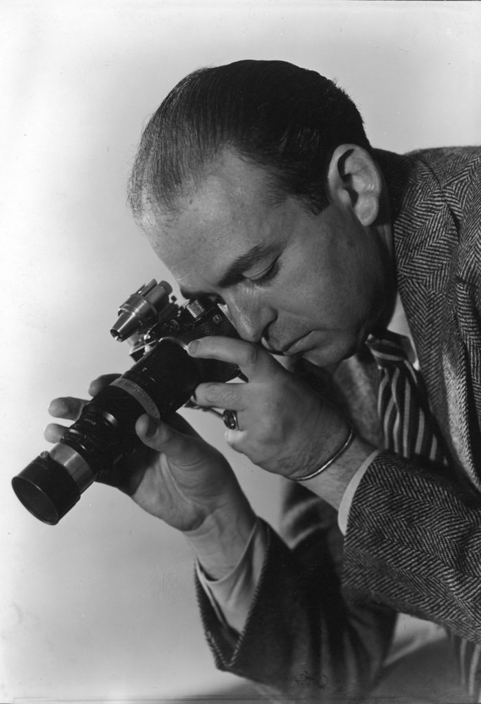Photographer Fritz Goro with his camera. (Photo by Oscar Graubner/The LIFE Picture Collection © Meredith Corporation)
