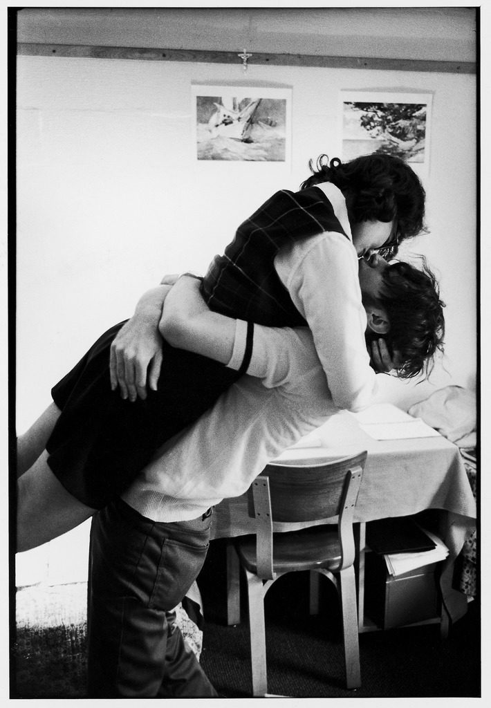 Oberlin College students kissing in a co-ed dorm. (Photo by Bill Ray/The LIFE Picture Collection © Meredith Corporation)