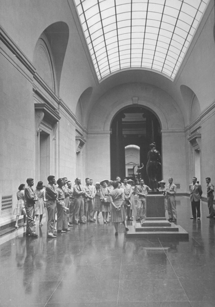 A view of people touring the National Gallery of Art. (Photo by Wallace Kirkland/The LIFE Picture Collection © Meredith Corporation)