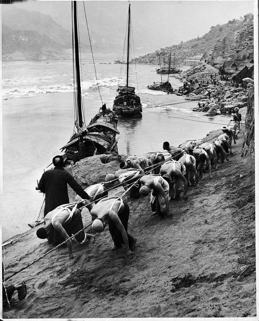 Closeup shots of migrant workers by the Yangtze river. (Photo by Dimitri Kessel/The LIFE Picture Collection © Meredith Corporation)