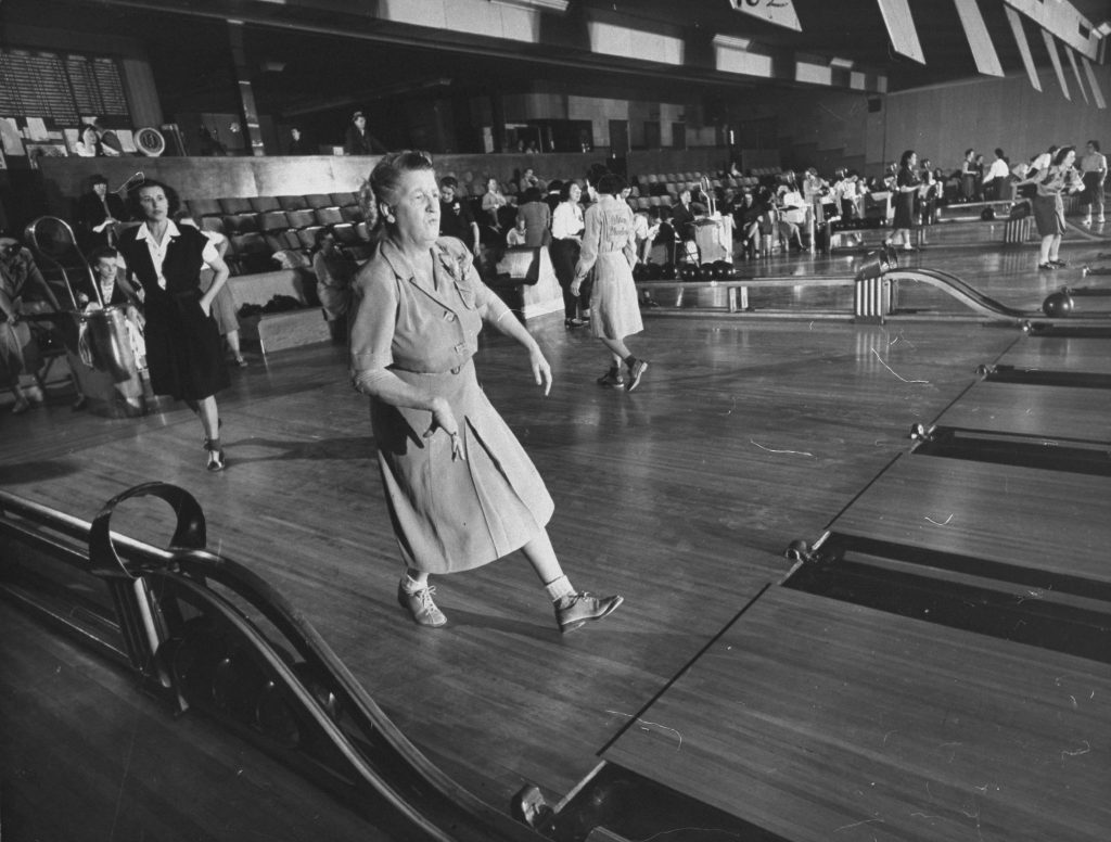 Florence Wilson and other women at a bowling alley in Teaneck, New Jersey, in 1947.