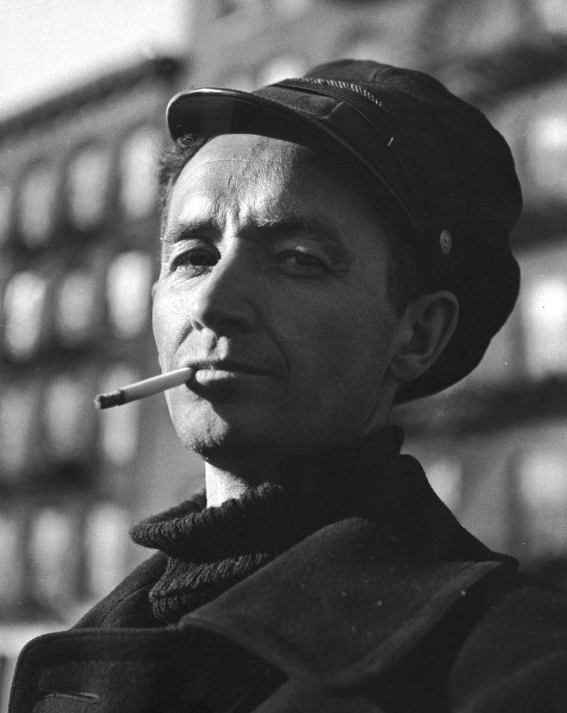 Woody Guthrie, New York City, 1943.