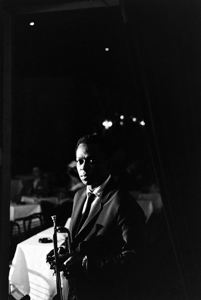 Picture of Miles Davis in a New York nightclub in 1958