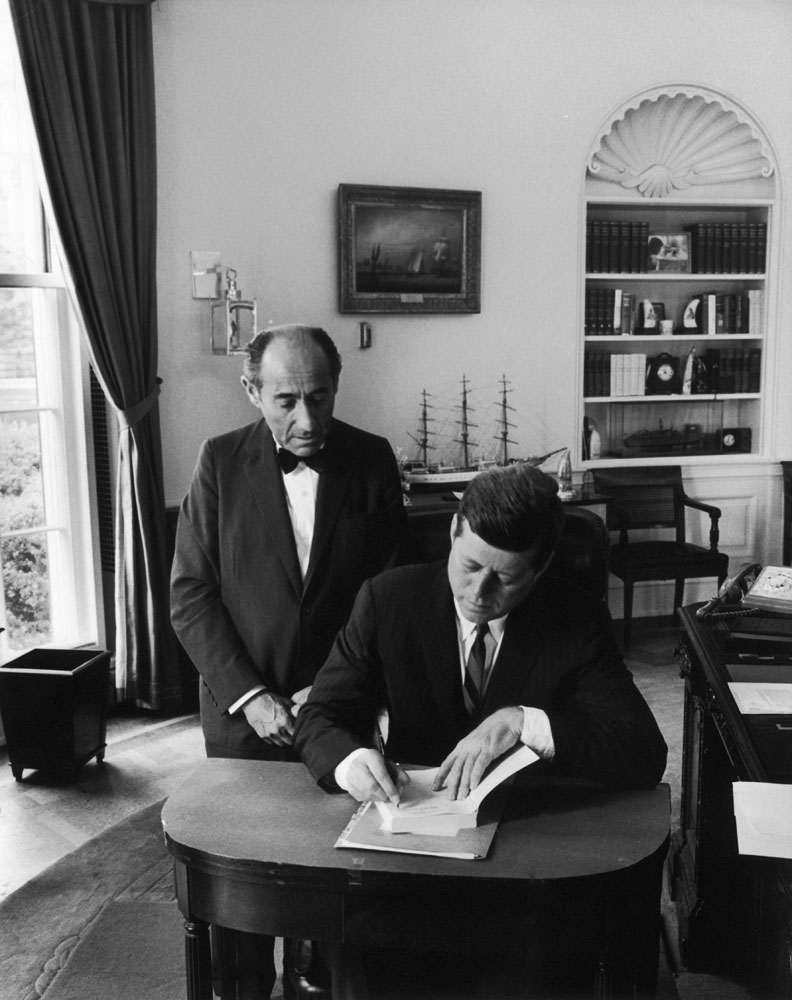 President John F. Kennedy and Alfred Eisenstaedt in the Oval Office, 1962