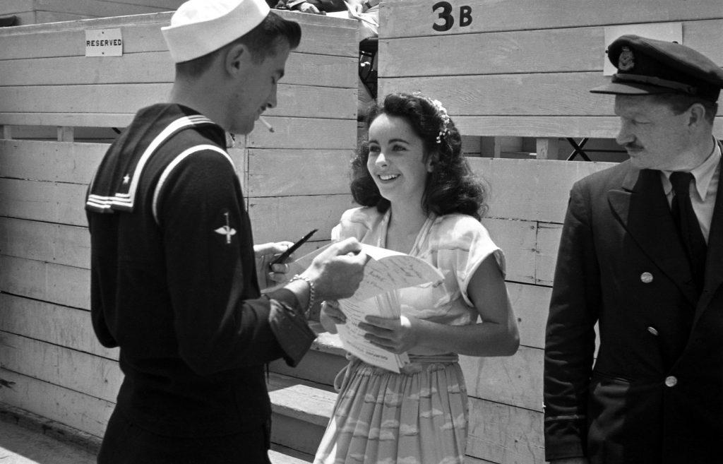 Elizabeth Taylor, 1945