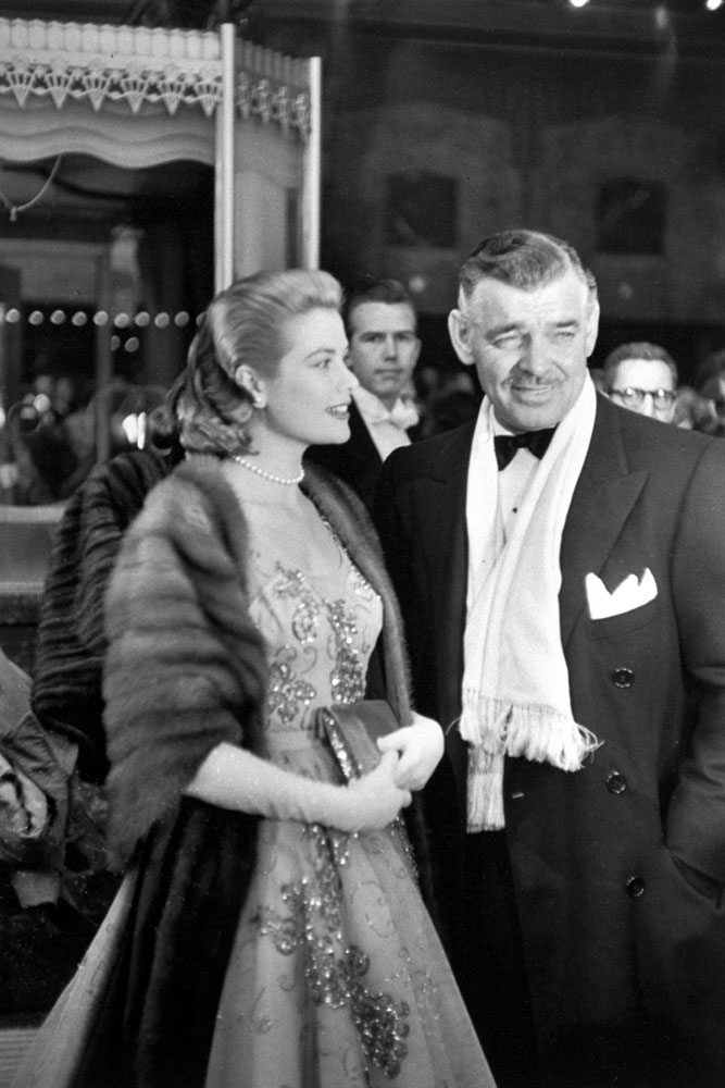 Grace Kelly and Clark Gable arrive at the 26th annual Academy Awards.