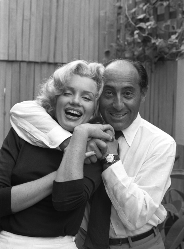 Marilyn Monroe and Alfred Eisenstaedt at Monroe's Beverly Hills home, 1953.