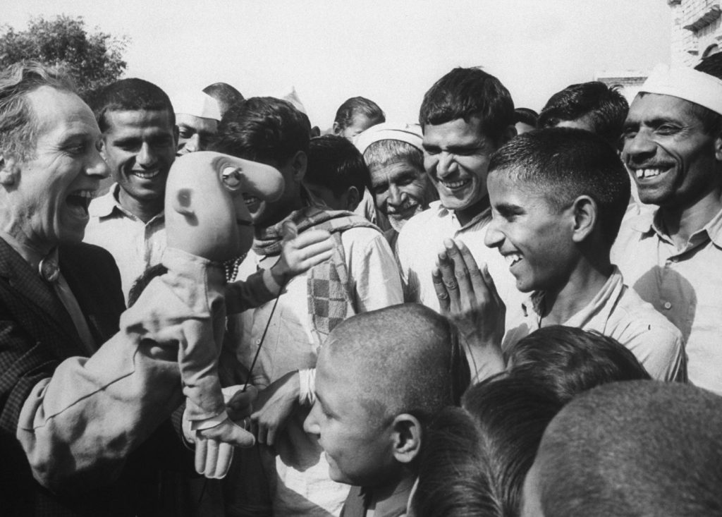 American puppeteer Bil Baird in India in 1962