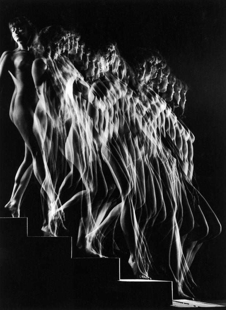 A nude descends a staircase, 1942