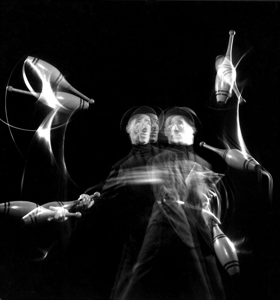 Stan Cavenaugh juggles tenpins, 1941.