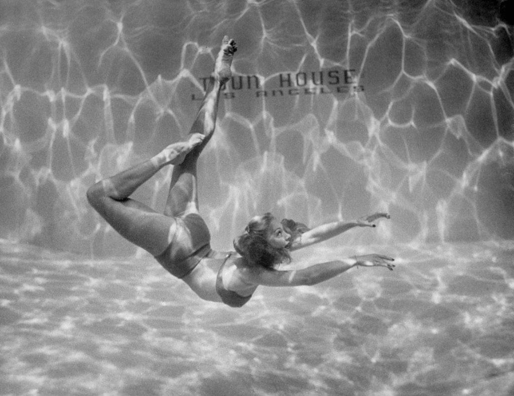 Underwater ballet, 1945.