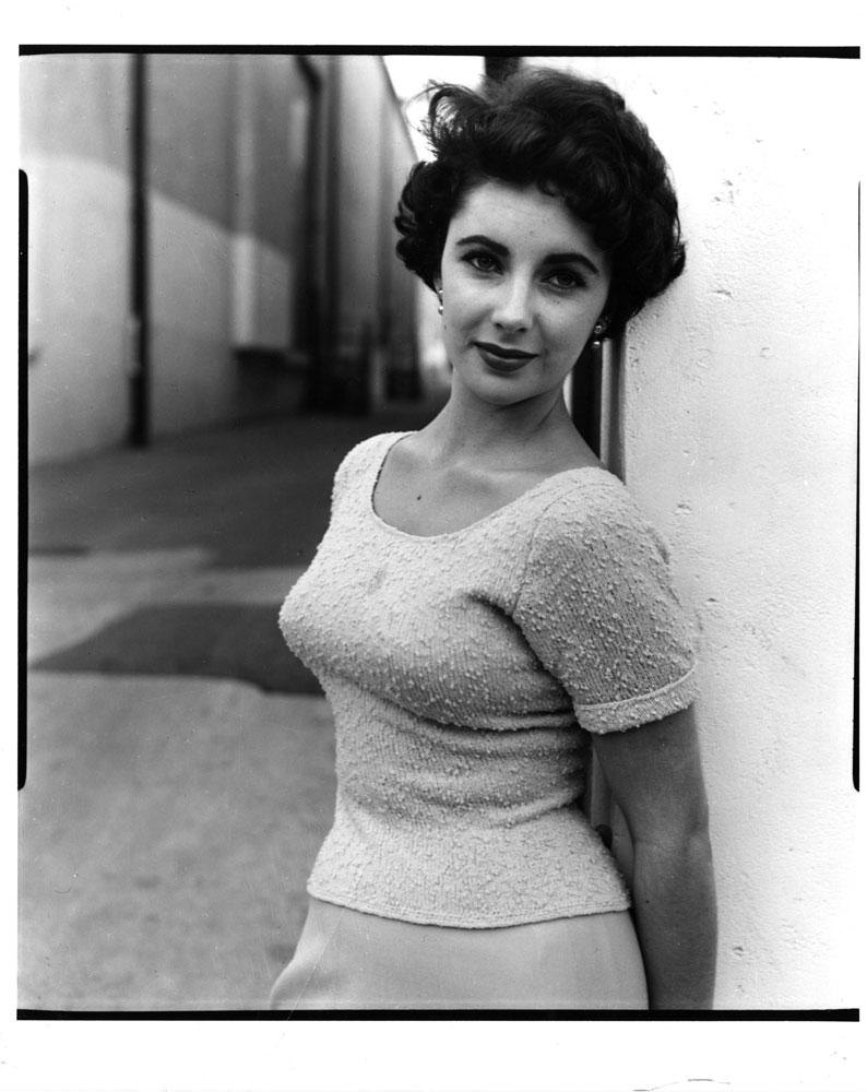 Elizabeth Taylor at Paramount Studios, 1950.