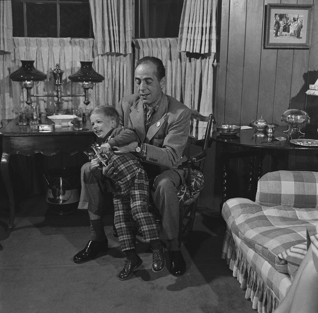 Humphrey Bogart and son Stephen in 1952.