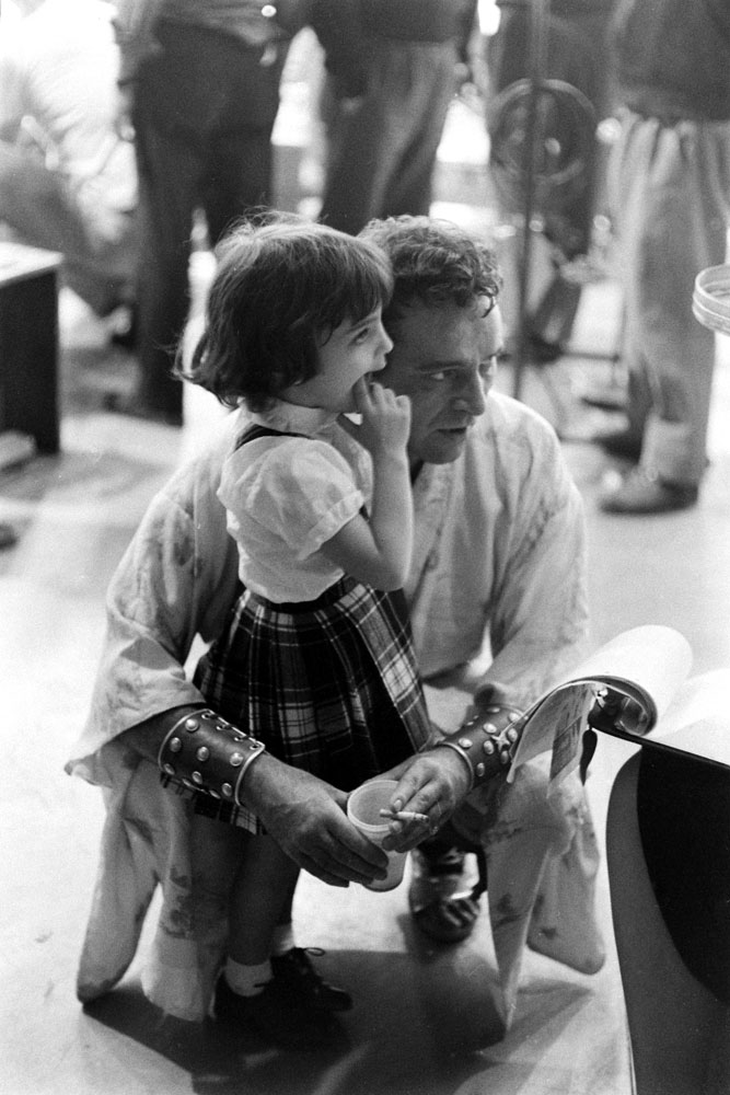 Richard Burton and his future stepdaughter, Liz Taylor and Mike Todd's daughter Liza, in 1962.