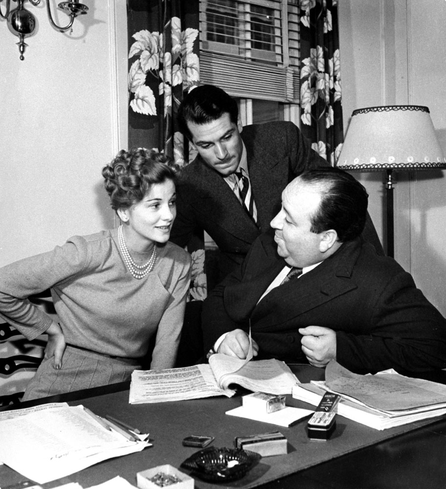 Joan Fontaine with Alfred Hitchcock and Laurence Olivier in 1939