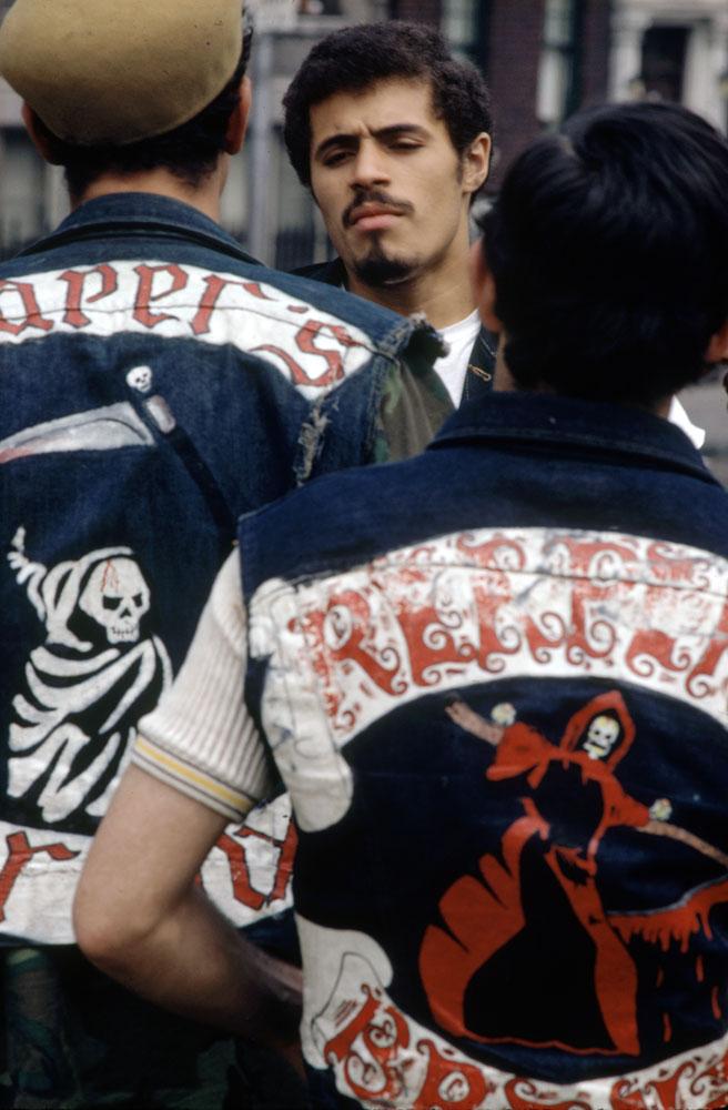 Reapers president Eddie Cuevas meets with gang members, South Bronx, 1972.
