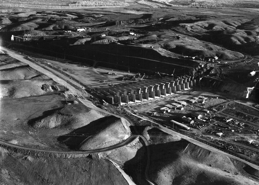 Construction of Fort Peck Dam, Montana, 1936.