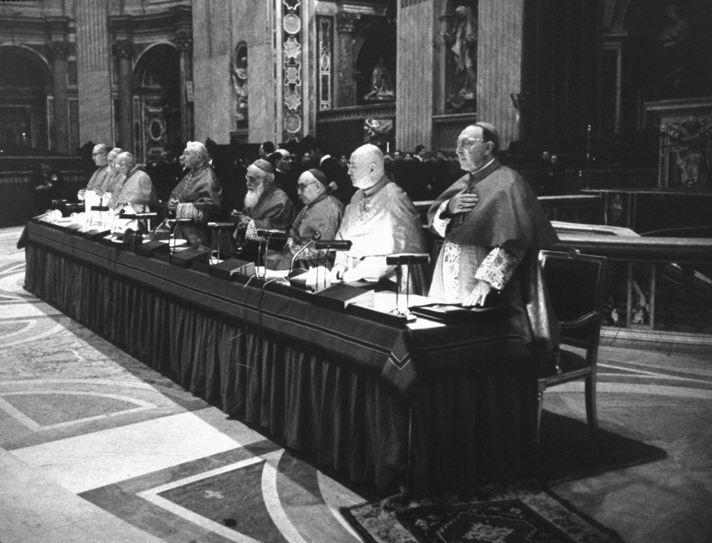 Table of cardinals during the Second Vatican Ecumenical Council, 1962.