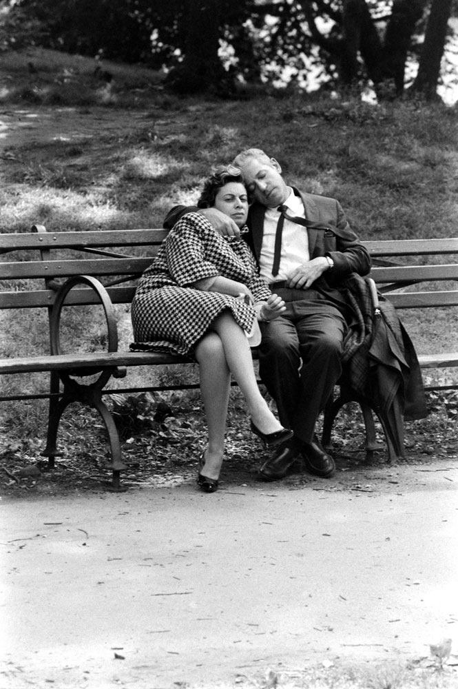 Couple on a bench, Central Park, 1961.