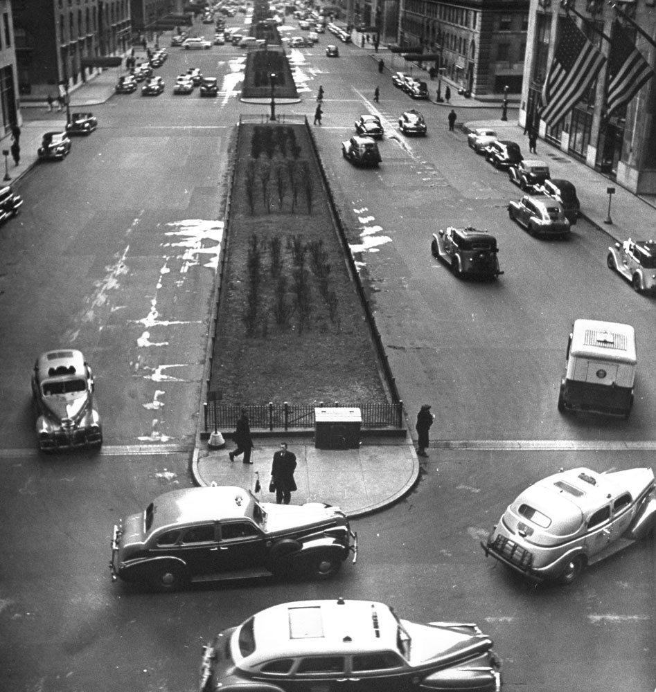 Taxicabs on Park Avenue, NYC, 1944.