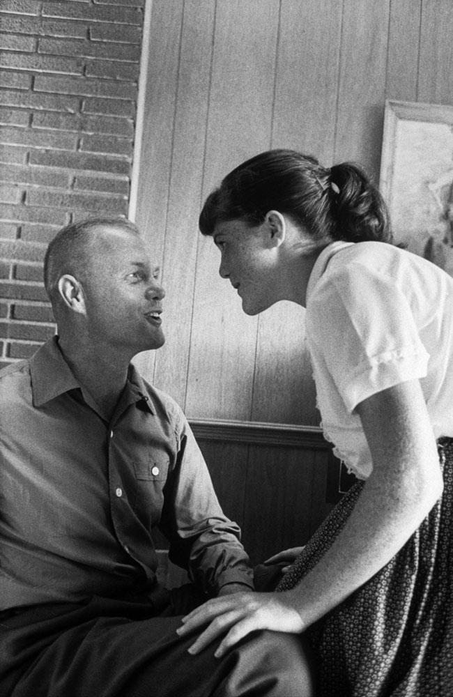 John Glenn with daughter Lyn, 1959.