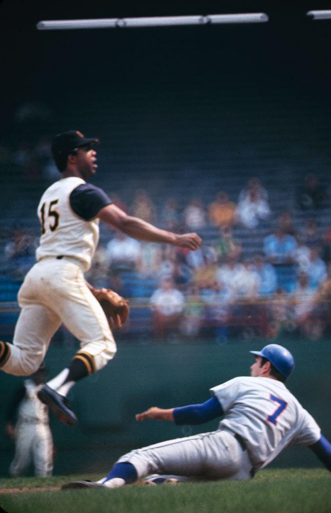 Ed Kranepool slides against the Pirates, 1969.