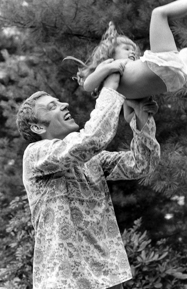 Donald Sutherland and daughter Rachel, 1970.