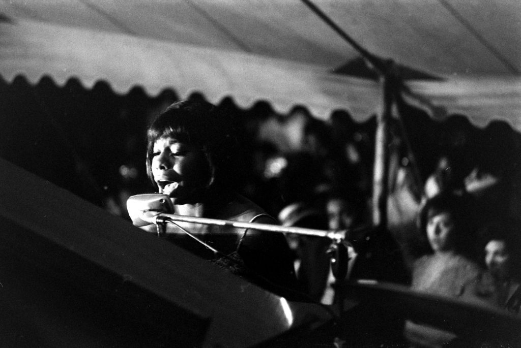 Nina Simone performs during the Salute to Freedom benefit concert in Birmingham, Ala., August 5, 1963.