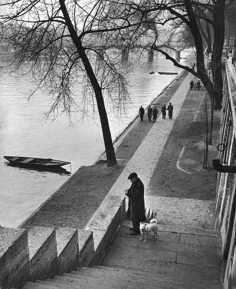Near the Pont Neuf steps, Paris, 1946.