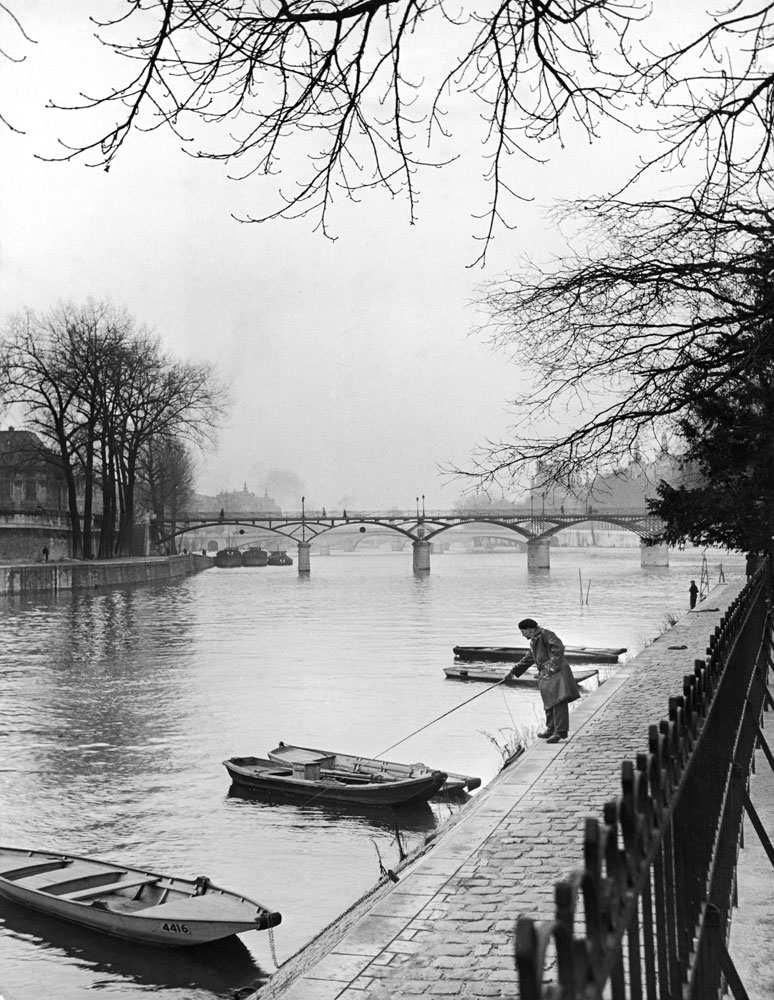 Rowboats on the banks of the Seine, Paris, 1946.