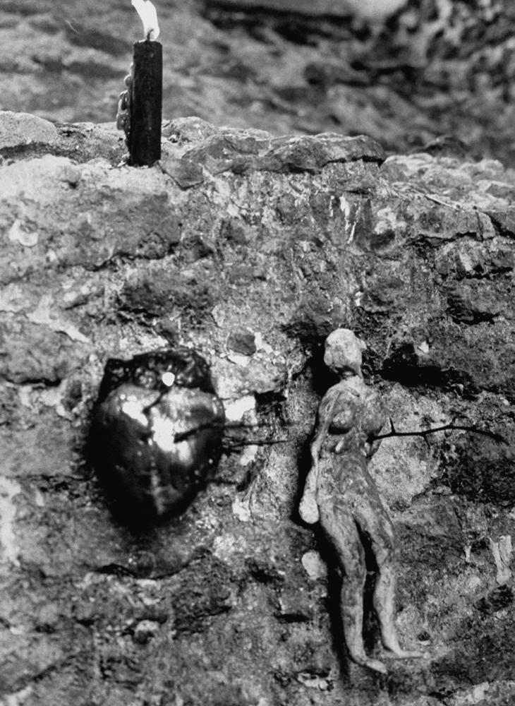 Items in an English ruin, 1964.
