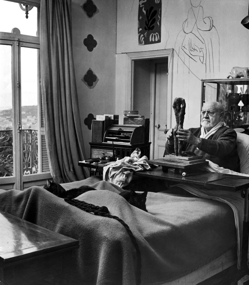 Henri Matisse sculpts a nude in clay, Nice, France, 1951.