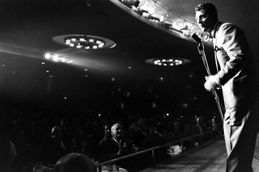 Dean Martin on stage, 1958.