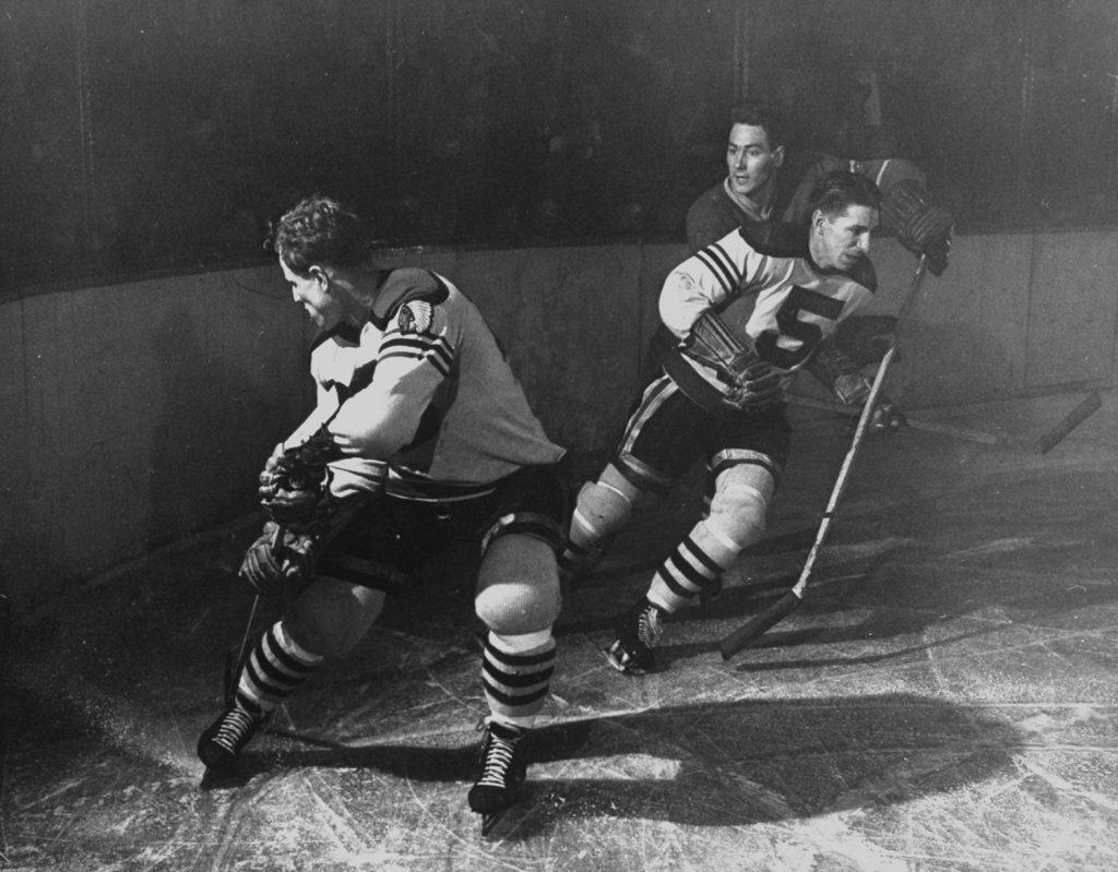 Black Hawks Bill Mosienko (left) and Max Bentley (right), 1946.