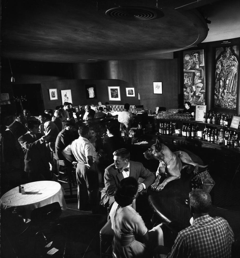 Chicago nightclub, 1952.