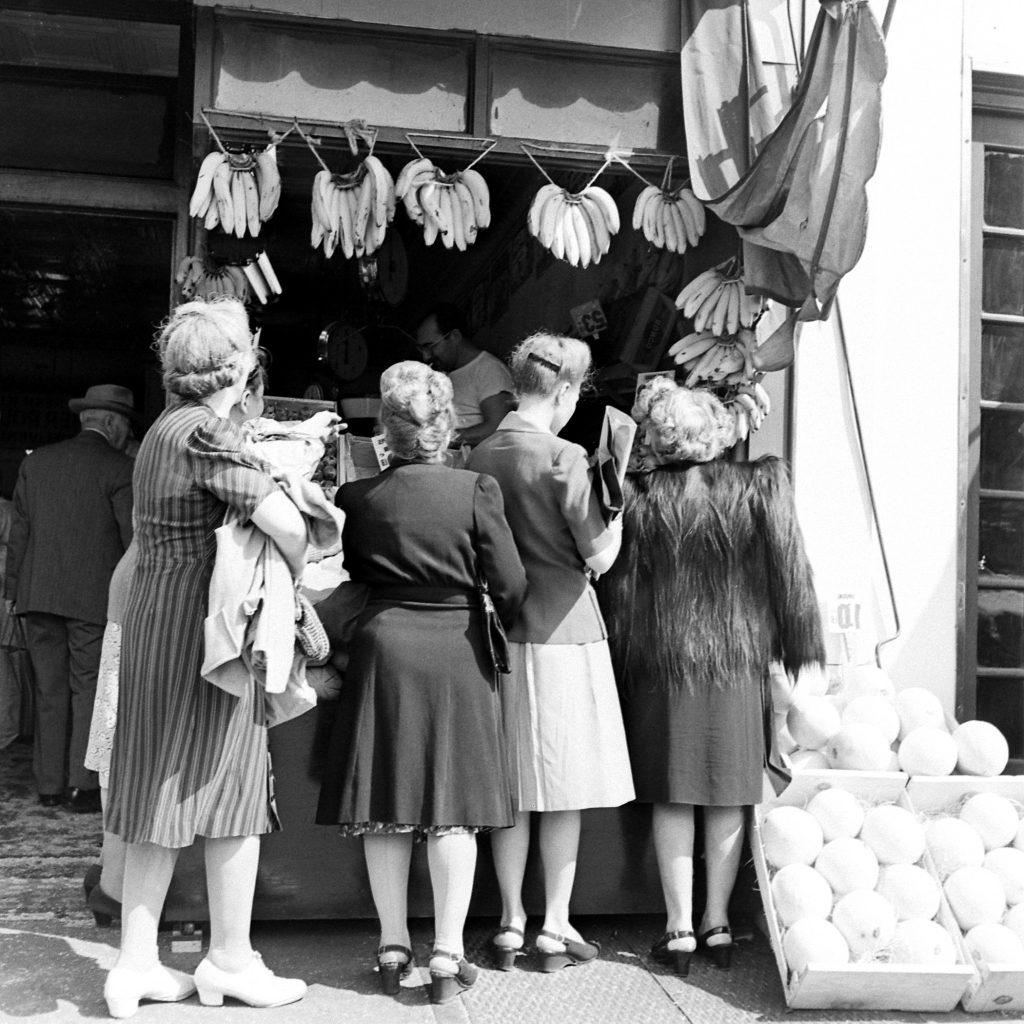 Grocery shopping, Brooklyn, 1946.