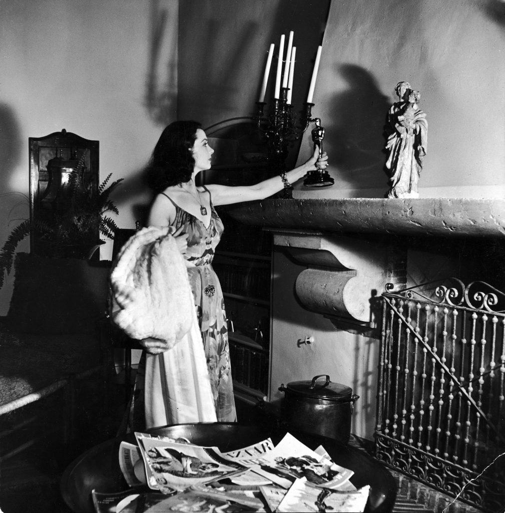 Vivien Leigh & Her Oscar