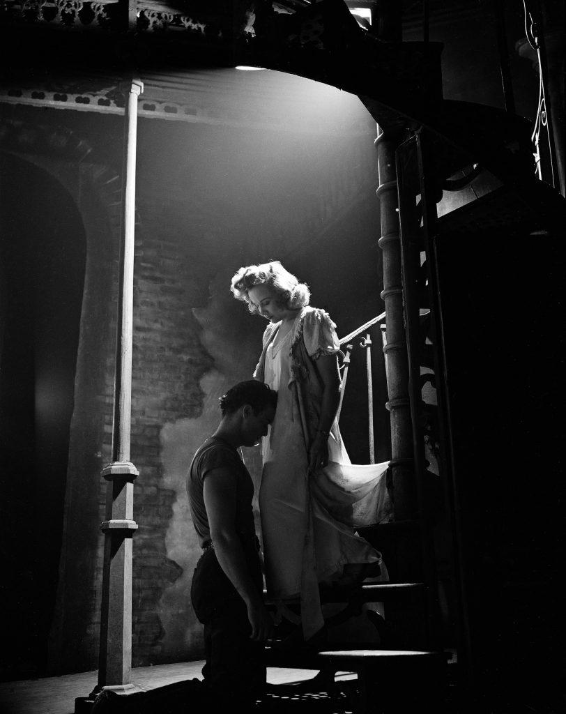 Marlon Brando, Kim Hunter, 1947