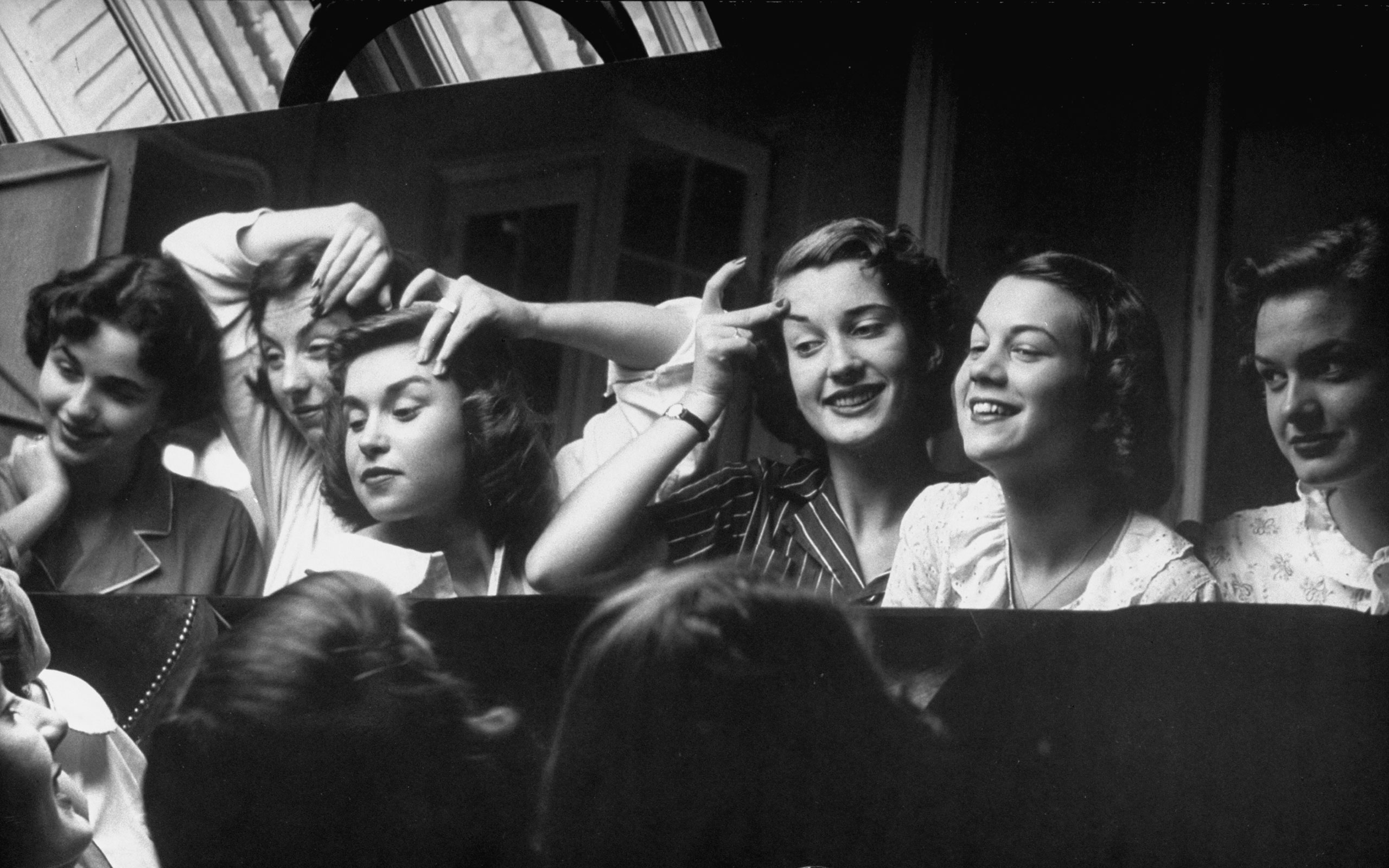 American teens in Paris 1952