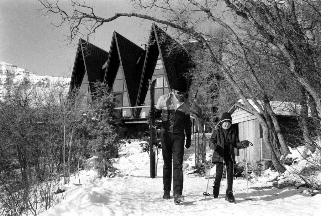 Robert Redford and daughter Shauna, Utah, 1969.