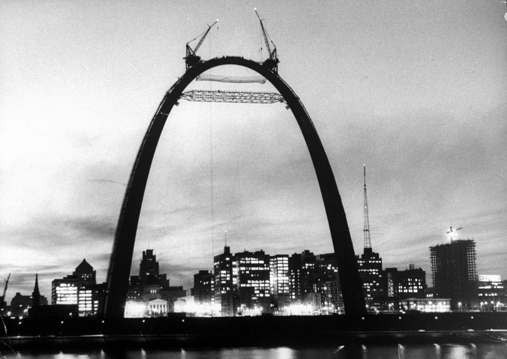 Jefferson National Expansion Memorial Arch designed by Eero Saarinen, 1965.