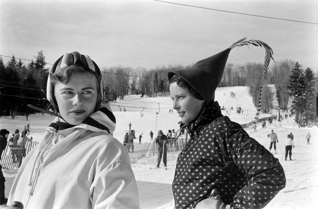 Fashion on the slopes at Mt. Snow, Vermont, 1957.