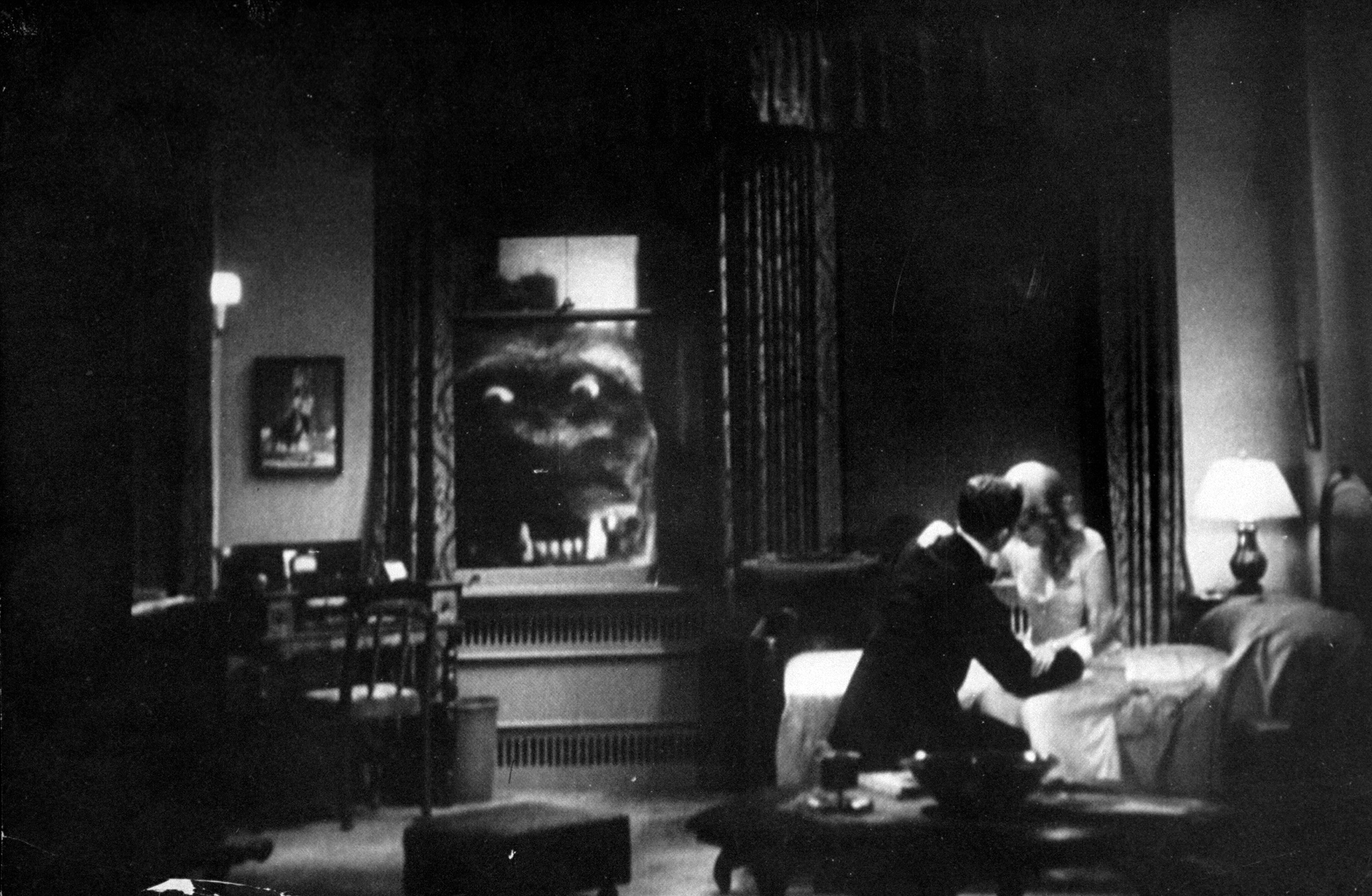 Scene from the 1933 film King Kong.