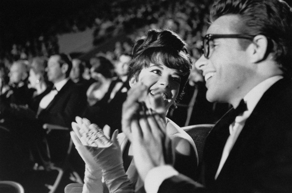 Warren Beatty with Natalie Wood at the 1962 Academy Awards ceremony at the Santa Monica Civic Auditorium.